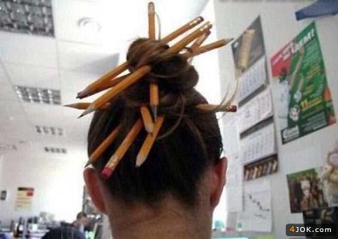 البته من با یک مداد رو دیدم ولی این مدل اصرافه ...