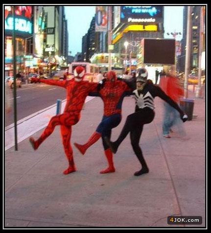 رقص شخصیت های مرد عنکبوتی