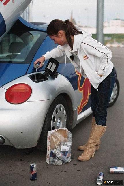 ردبول بجای بنزین برای صرفه جویی در سوخت !