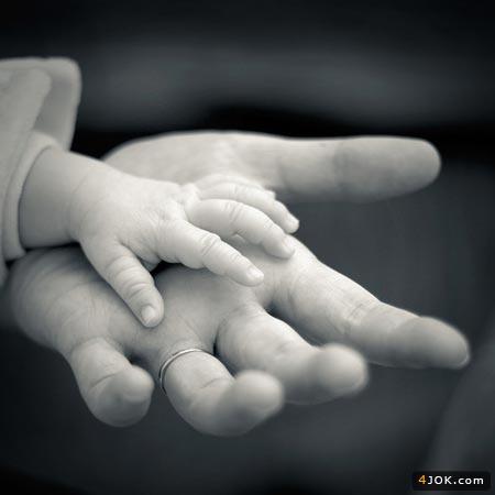 پسرم بزرگ میشی ، دستت هم بزرگ میشه ...