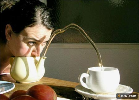 مدل جدید ریختن چای در فنجون